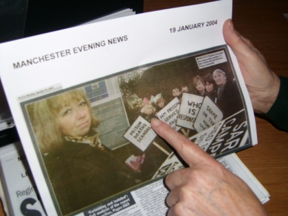 Manchester Evening News - Press Clip - 19 January, 2004. Sarah's first vigil